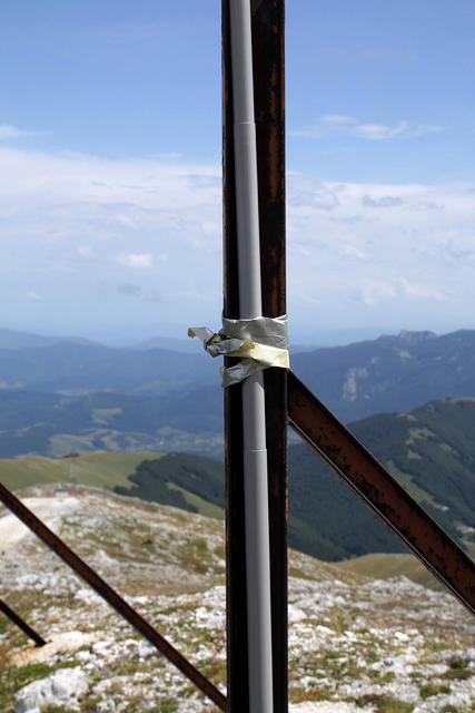 Pritrditev palice za anteno